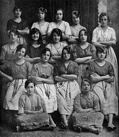 photo of mill workers